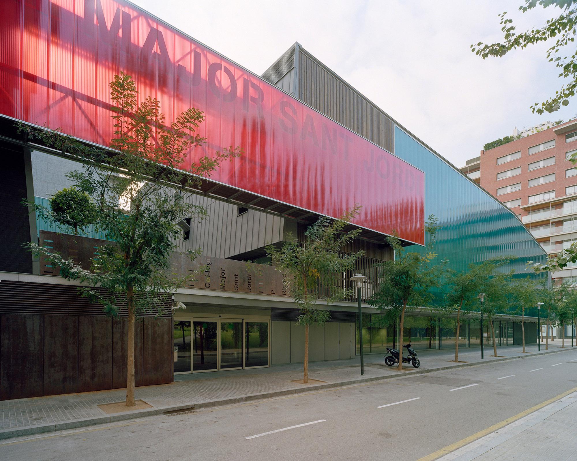 Building for the Students' house Sant Jordi in Barcelona