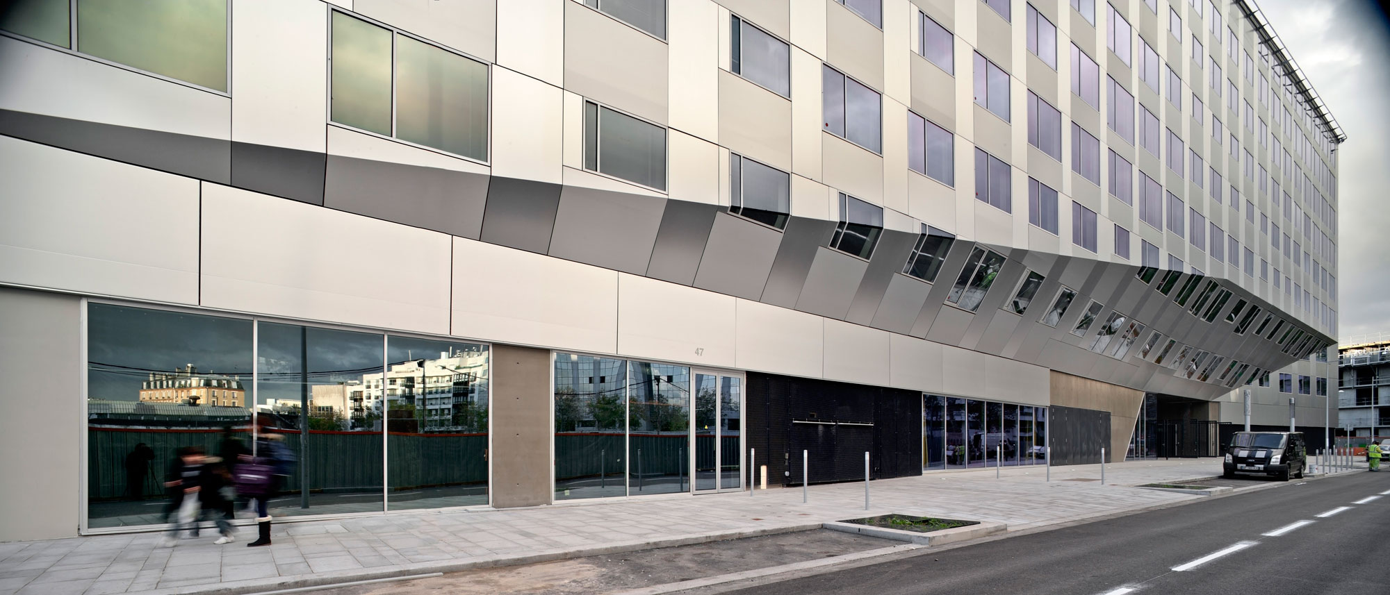 La factory office building in boulogne billancourt france - Office de tourisme boulogne billancourt ...